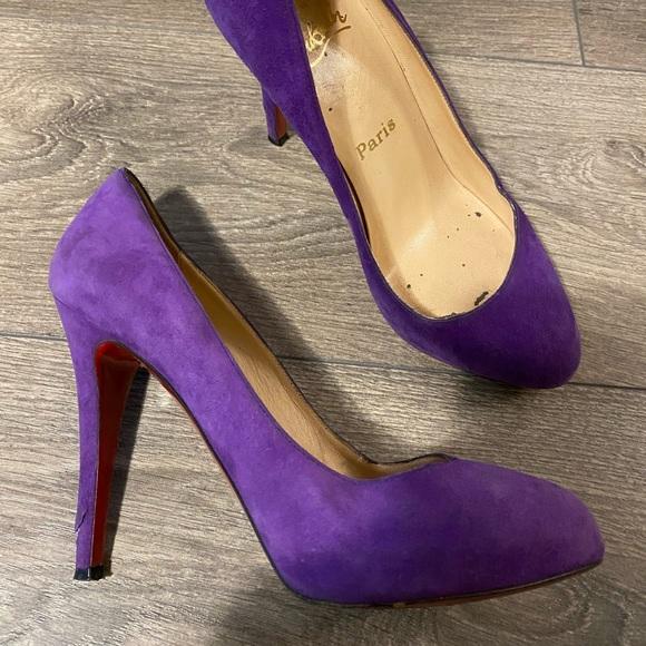Christian Louboutin Pumps in Purple suede